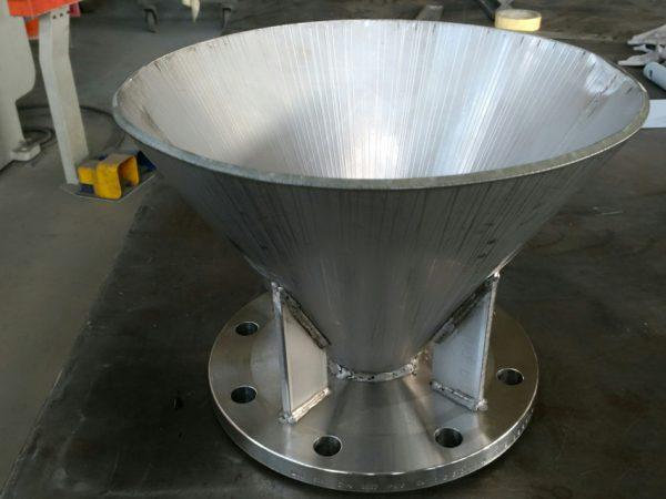 particolare cono in acciaio inox