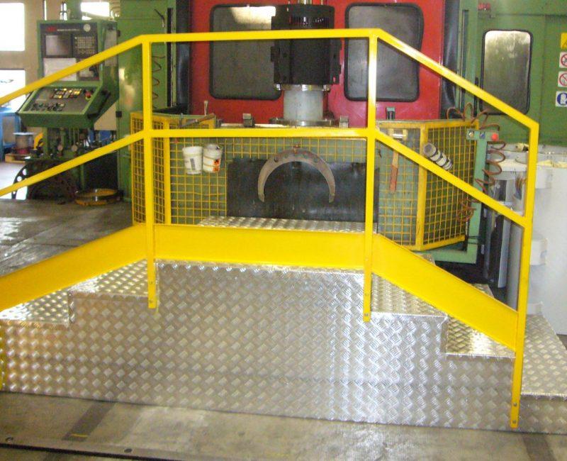 pedana in ferro verniciato e lamiera alluminio